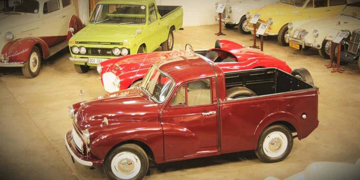 Vintage_motor_museum_Casterbridge_whiteriver